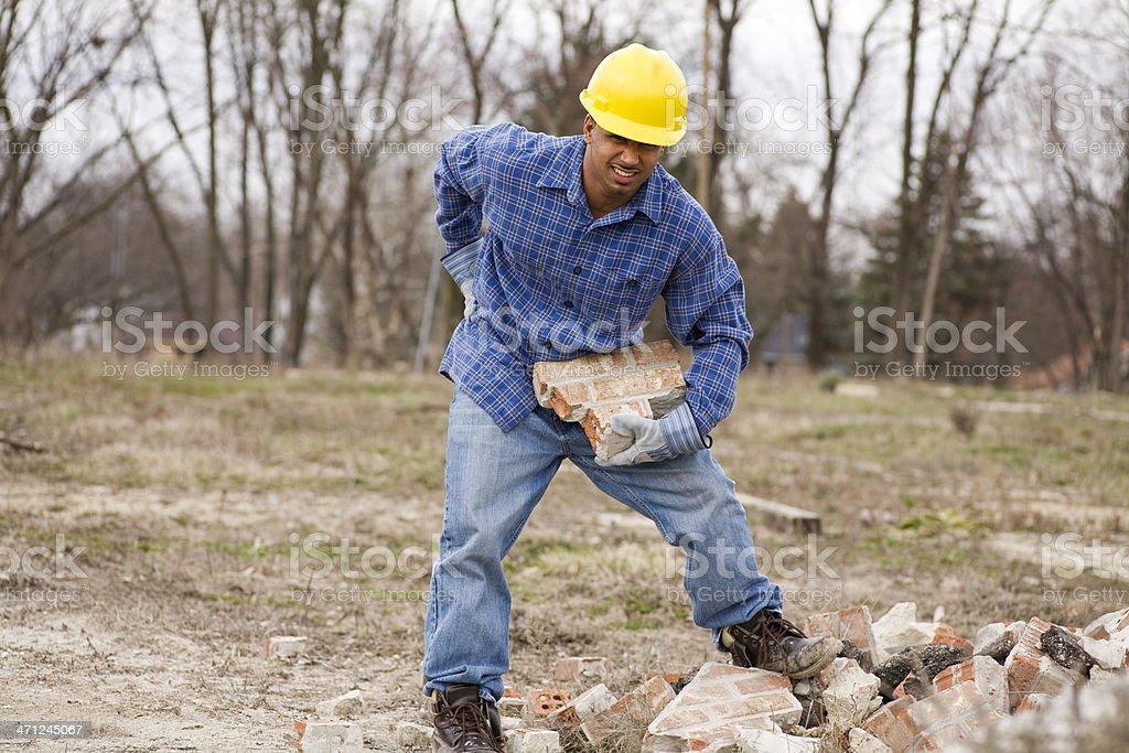 Ethnische Bauarbeiter am Arbeitsplatz verletzt – Foto