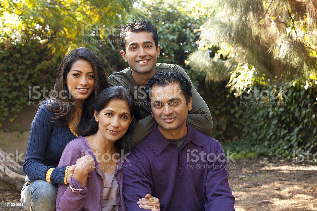 Ethnische Familie – Foto