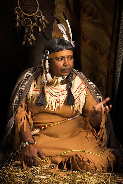 ethnische geschichten - navajo stil stock-fotos und bilder
