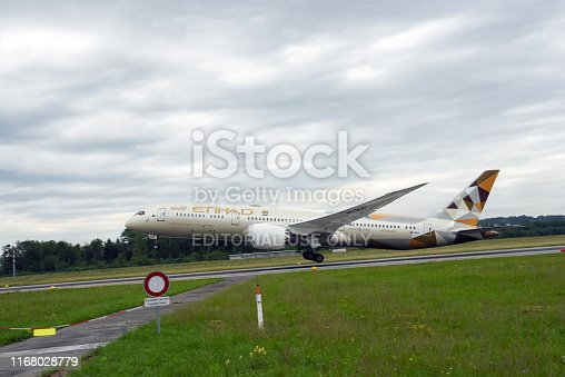Dreamliner from Etihad Airways (A6-BLO). The Image shows the Aircraft during take-off at Airport Zurich.
