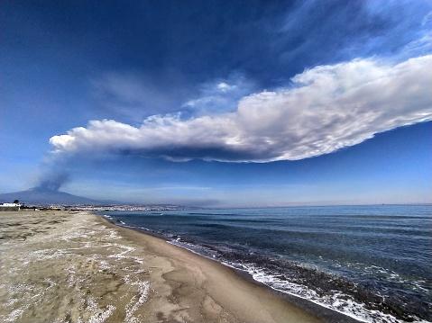Etna Eruption - Catania playa beach