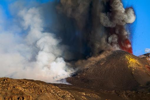 Etna paroxysm