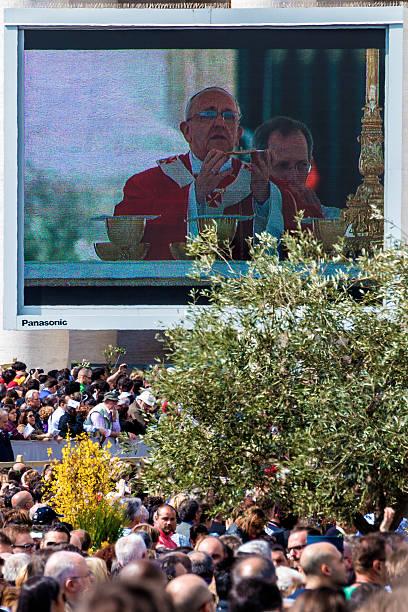 eucharistic błogosławieństwo od papież franciszek - pope francis zdjęcia i obrazy z banku zdjęć