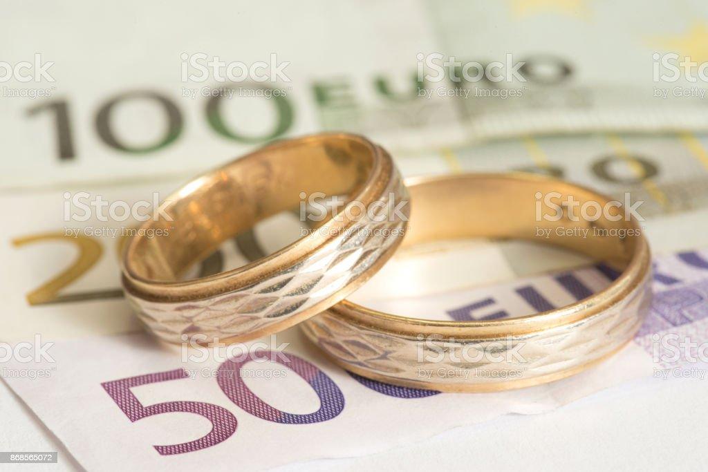 Euro Geld Und Ehe Ringe – Foto