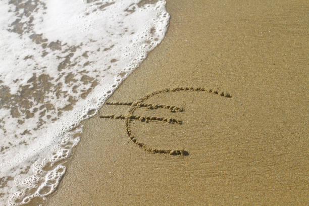 Euro-Zeichen am Strand – Foto