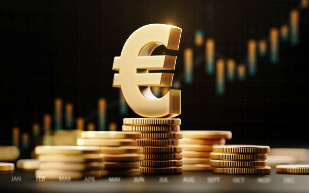 Euro Symbol With Financial  Chart Over Dark Background Metallic Euro symbol with financial chart over dark background. Horizontal composition with selective focus and copy space. euro symbol stock pictures, royalty-free photos & images