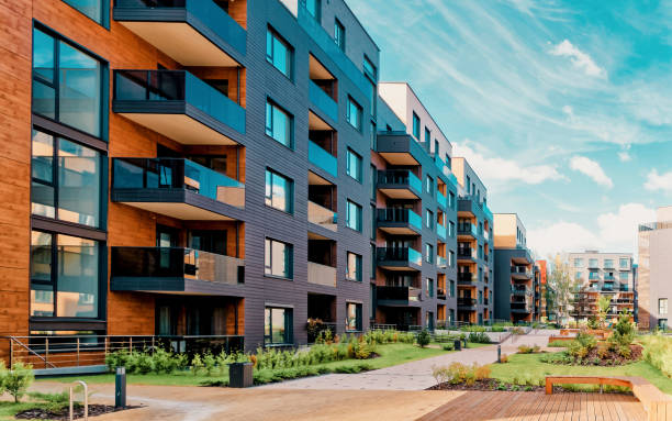complexo moderno de europa de edifícios residenciais - edifício residencial - fotografias e filmes do acervo