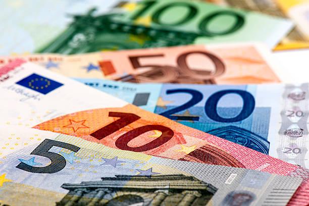 Billetes de banco europeo - foto de stock