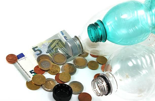 europäische flasche anzahlung - pfand stock-fotos und bilder