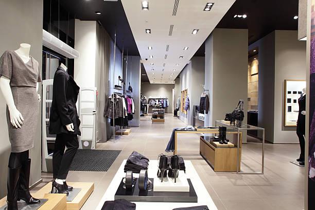 Européenne tout nouveau magasin de vêtements - Photo