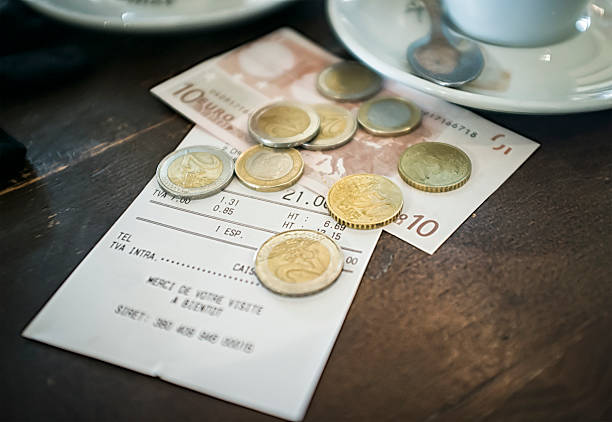 europäische café bill - eurozahlen stock-fotos und bilder