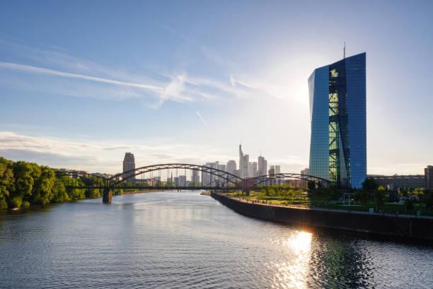 europäische zentral bank building in frankfurt - stadt frankfurt stock-fotos und bilder