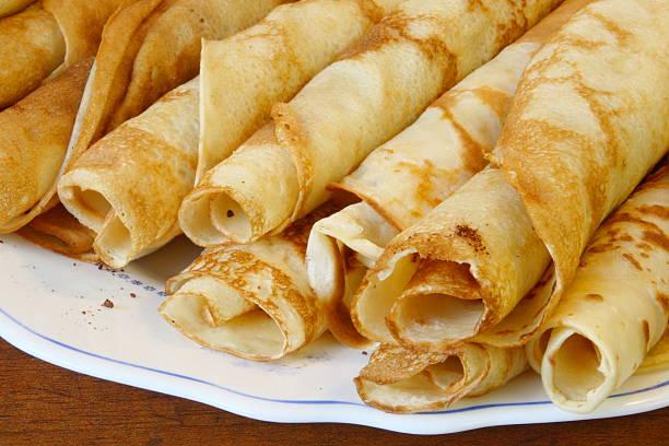 european style pancakes on a plate - 匈牙利文化 個照片及圖片檔