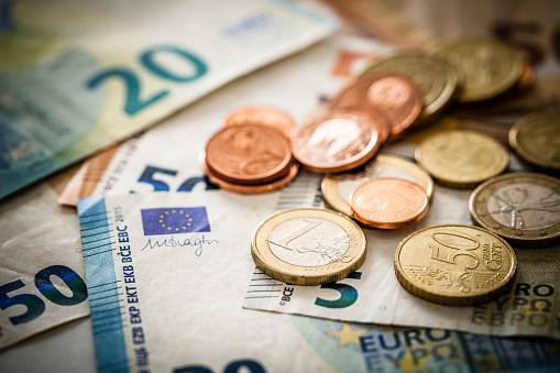 欧州連合 Banknotes 硬貨 - 1ユーロ硬貨のストックフォトや画像を多数ご用意