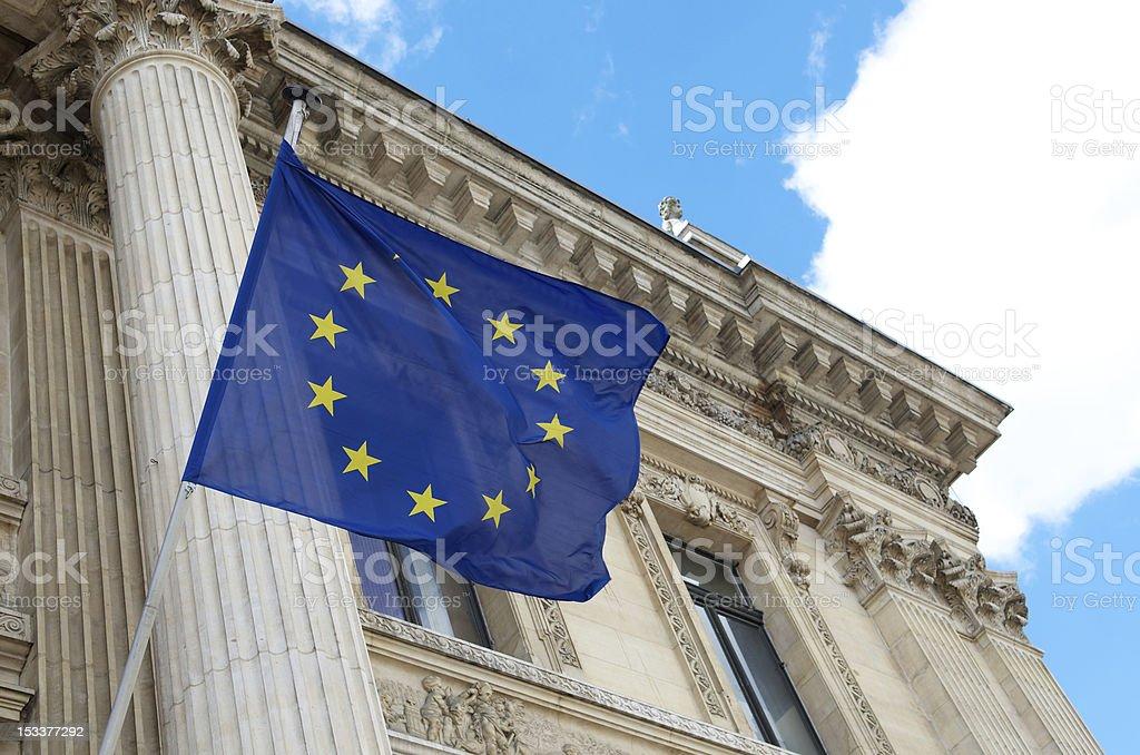 Drapeau de l'Union européenne vous arrivez en dehors de la Bourse de Bruxelles - Photo