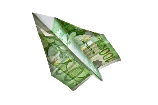istock 100 Euros  Banknote Paper Plane 471830817