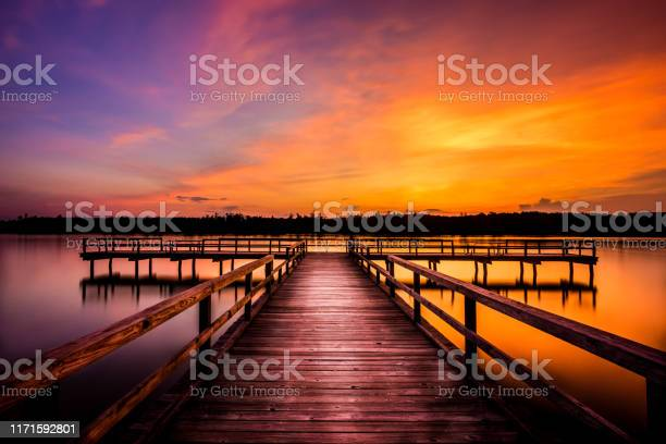 Photo of Evening at Elvis Presley Lake