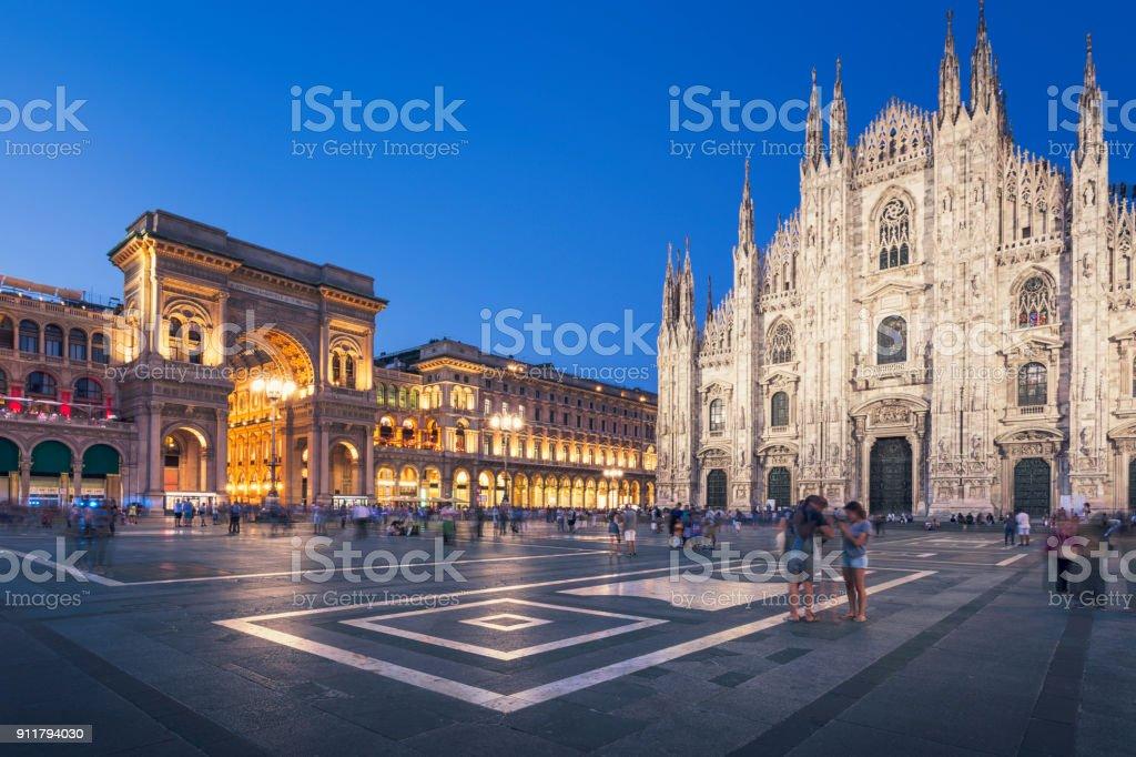 Soirée à Piazza del Duomo, Milan - Photo