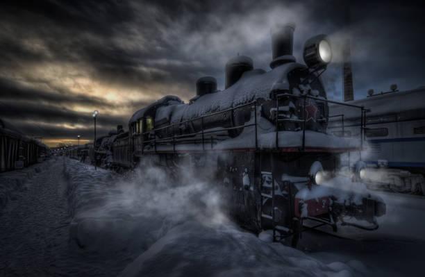abend-express aus der vergangenheit. - lokomotive stock-fotos und bilder