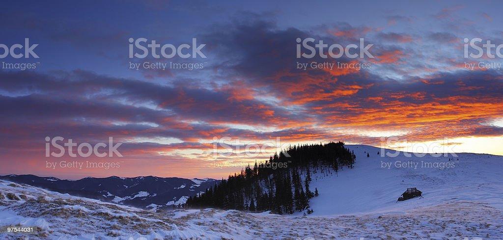 Soirée dans les montagnes photo libre de droits