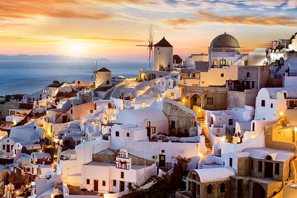evening in oia, santorini, greece - caldera bildbanksfoton och bilder