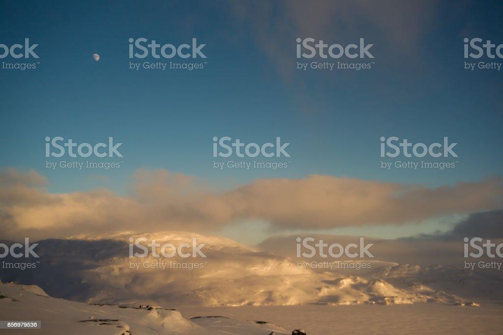 Abend in den norwegischen Bergen – Foto