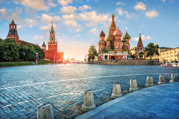 evening light on red square - russia stock pictures, royalty-free photos & images