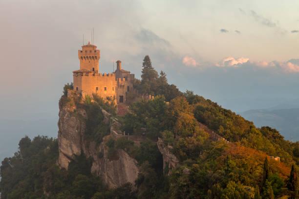 Evening light on the Second Tower, Monte Titano's highest summit, San Marino – Foto