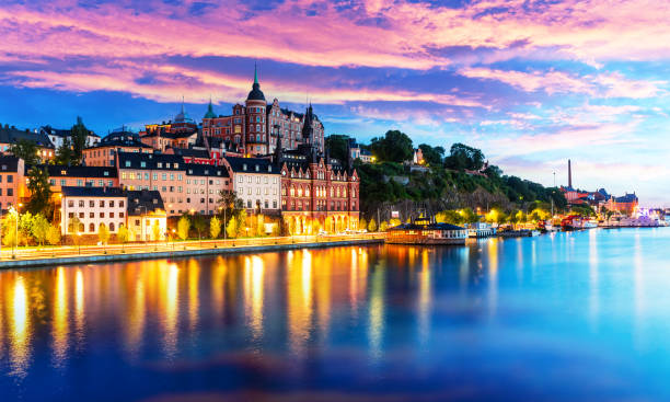 evening scenery of the old town in stockholm, sweden - skyline stockholm bildbanksfoton och bilder