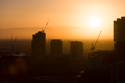 Avond Skyline Bouwplaats Stockfoto en meer beelden van Aansteken