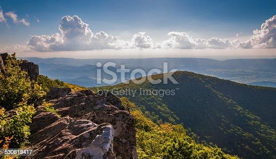 istock Evening view from cliffs on Hawksbill Summit, in Shenandoah Nati 530619417
