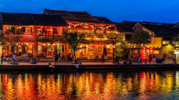 오래 된 마을 호이 한 도시, 베트남에서의 저녁 보기 - 호이안 뉴스 사진 이미지