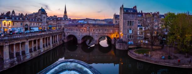 Evening view of Pulteney bridge in Bath, England stock photo