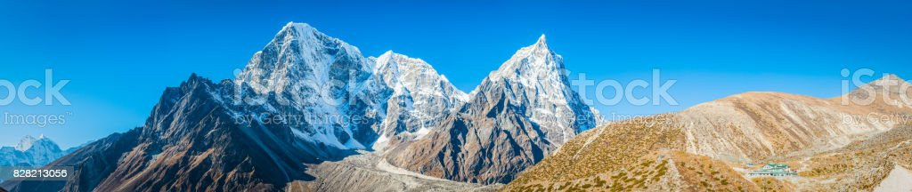 Everest Base Camp trail Himalaya mountain peaks panorama Khumbu Nepal stock photo