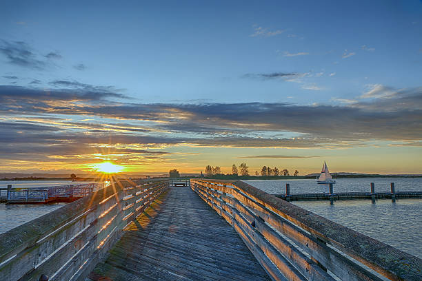 Everett Snohomish Beautiful sunset over the fishing pier in Everett washington state stock pictures, royalty-free photos & images