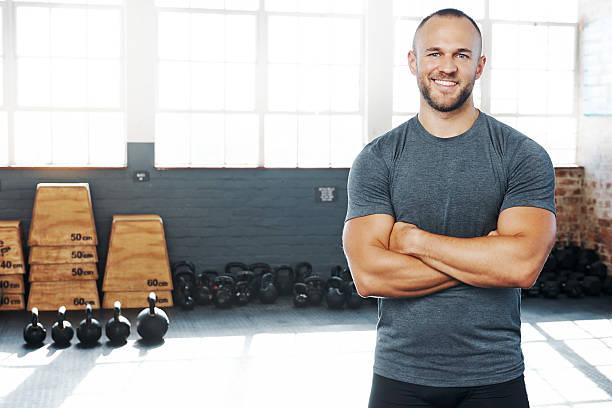 los recuentos de cada sesión de ejercicios - macho fotografías e imágenes de stock