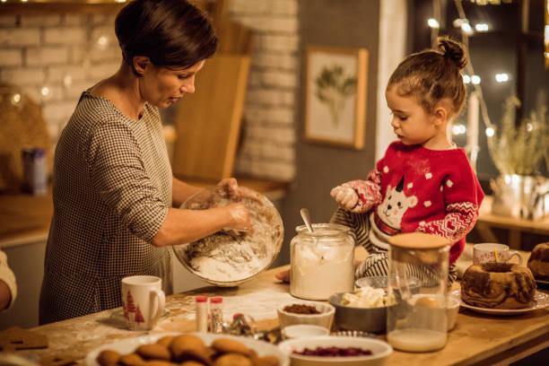jeder liebt weihnachtsbäckerei - 3 zutaten kuchen stock-fotos und bilder