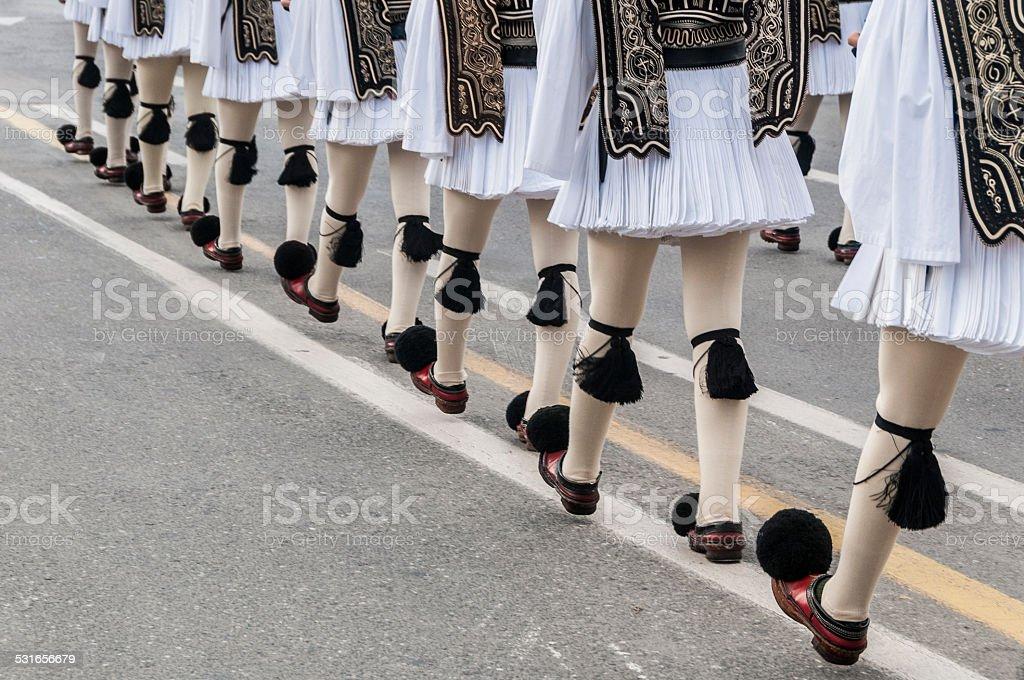 Evzone mars au changement de la cérémonie de garde, Athènes, Grèce photo libre de droits