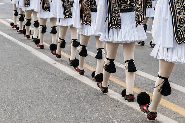 Evzones March to Change of Guard Ceremony,  Athens, Greece​​​ foto
