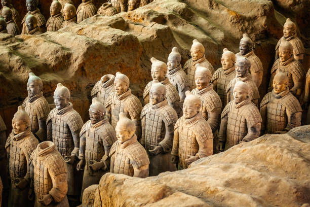 Excavated sculptures statues of the terracota army soldiers of Qin Shi Huang emperor, Xian, Shaanxi, China Excavated sculptures statues of the terracota army soldiers of Qin Shi Huang emperor, Xian, Shaanxi, China forbidden city stock pictures, royalty-free photos & images