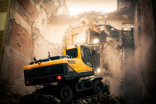 excavator demolition excavator demolition work machine construction machinery stock pictures, royalty-free photos & images