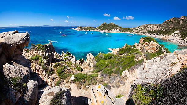 splendida vista di spargi isola-sardinia - sardegna foto e immagini stock