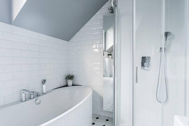 exklusive weiße badezimmer - exklusive mode stock-fotos und bilder