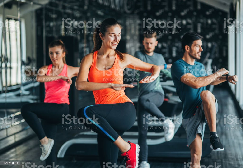 Exercising at the gym - foto stock