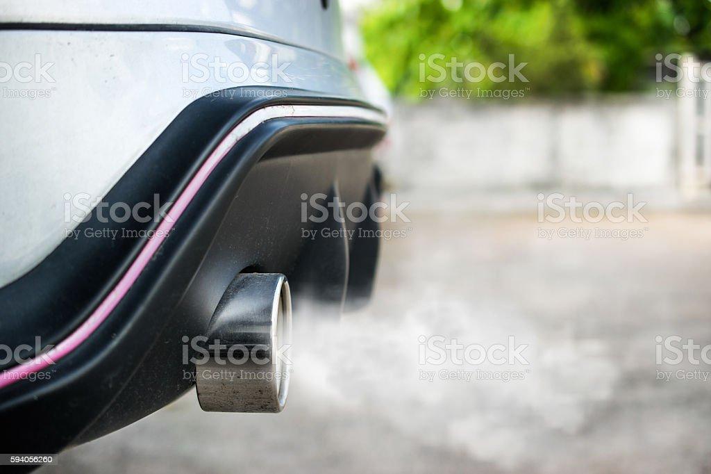 Exhaust from car - foto de stock
