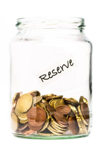 Erschöpfte Euro-Reserven in einem Glas – Foto