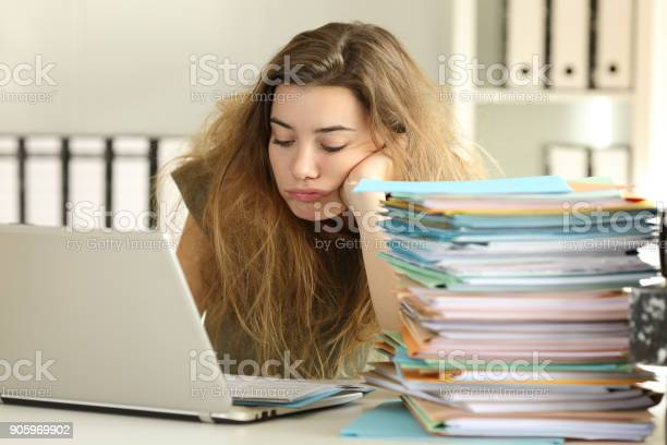 Exhausted intern with tousled hair working at office picture id905969902?b=1&k=6&m=905969902&s=612x612&h=alhocnmpouzbcryufnijphd9uztivz abw5klnmjfpi=