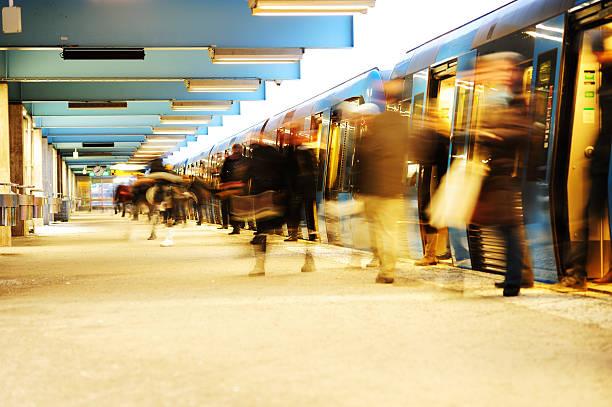 exiting subway train - tunnel trafik sverige bildbanksfoton och bilder