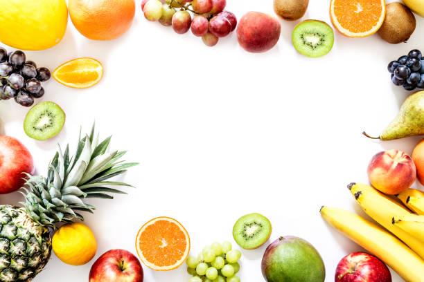 흰색 배경에 고립 된 이국적인 열 대 과일 - 열대 과일 뉴스 사진 이미지
