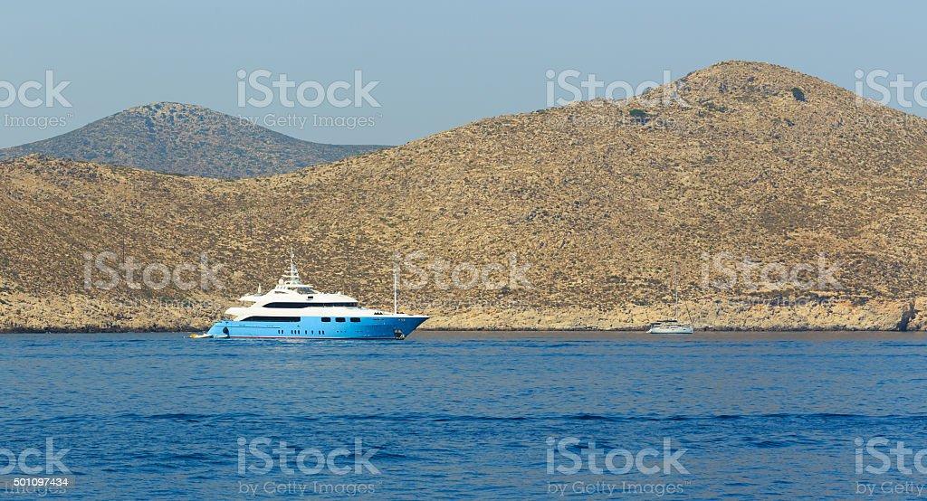 Teuer yacht auf das Meer – Foto